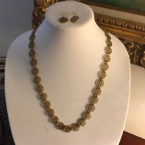 Light weight gold tone necklace , earrings